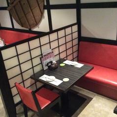 お食事使いにも!テーブル席は1名~OK!遅めのランチにもオススメ!4人/6人…とつなげて利用することももちろん可能です!