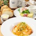 料理メニュー写真【PASTA LUNCH SET】海老と柔らかく焚いた小松菜のクリームスパゲティー