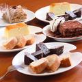料理メニュー写真2種類のケーキ