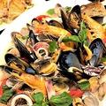 料理メニュー写真海の幸たっぷりアクアパッツァ