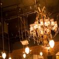 豪華なシャンデリアがお客様をお出迎えいたします。立川 イタリアン ワインバル 合コン 女子会 夜景 貸し切り