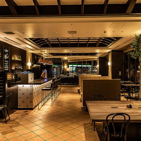 広々として開放感溢れる店内で出来立てパスタ・ステーキなどを食放でお愉しみ下さい