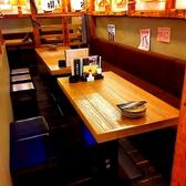 【12名様】まで着席可能なテーブル席。ご家族でのお食事にもぴったり☆片側がベンチシートになっているので、ゆったりとおくつろぎいただけます。