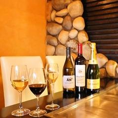 鉄板焼きを楽しみながらワインを