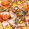 料理メニュー写真もちと明太子の和風ピザ