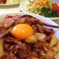 人気の肉めし(小)432円