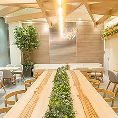 cafe&Bistro ブルジョン 所沢店の雰囲気1