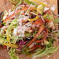 料理メニュー写真波のうえサラダ