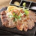 料理メニュー写真黒豚炙り 西郷盛り(黒豚二種+黒豚ソーセージ)