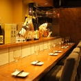 デートにも人気のカウンター席★しっぽり飲みたいときにおすすめのお席です!接待・大事なご商談などにも最適でございます。是非お待ちしております。池袋/バル/女子会/ワイン/宴会/飲み放題/誕生日/記念日/貸切/パーティー/ダチョウ/ラム/鴨/肉料理