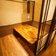 プライベートな空間を演出する小個室。デートや接待などに◎