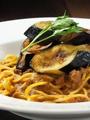 料理メニュー写真揚げ茄子と挽肉のラグーソース・ボロネーゼ