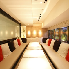 大人数でもご利用いただける個室のお部屋は、人気のお席となりますのでお早めにご予約をお願い致します。