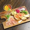 料理メニュー写真akibaの前菜盛合せ