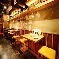 【禁煙】2名様専用のハイテーブル席は、2人だけの会話をお楽しみください!スタッフが揚げたての天ぷらをテーブル席までアツアツの状態でお届け致します★カップル、ご夫婦でのご予約にもぴったり♪