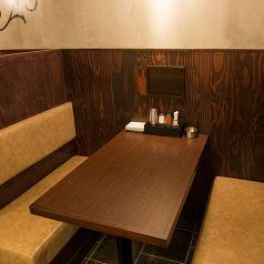 落ち着いた雰囲気の店内にございますボックス席。もちろんコチラのお席でも宴会としてもご利用いただけます♪少人数様~団体様のご宴会や、女性だけの女子会などで大人気♪