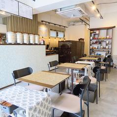 【テーブル席】様々なシーンにご利用頂けるテーブル席。台湾情緒あふれる温かみのある空間で、お食事頂けます。