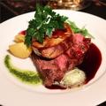 料理メニュー写真牛フィレ肉&フォアグラのソテー フォアグラとマッシュルームの赤ワインソース