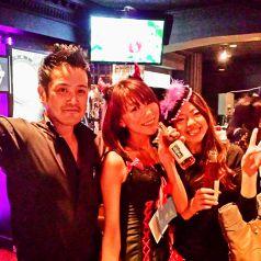 去年のハロウィンパーティーの一枚☆常連さんも初めてのお客様もみんなで大盛り上がり!