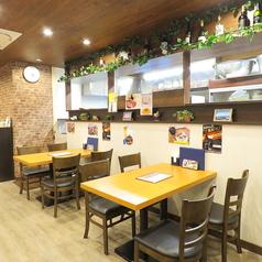 ≪4名様×4テーブル≫テーブル席は広々とご利用できます!ご家族やご友人を誘いあってお越しください!