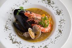 料理メニュー写真海の幸たっぷりのブイヤベース