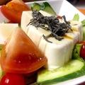 料理メニュー写真豆腐のさっぱりサラダ(しそドレ)