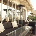 天気の良い日のランチタイムは、開放感のあるテラス席で過ごしませんか?ゆったりとした時間をお楽しみください。