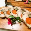 料理メニュー写真鶏肉のガランティーヌ