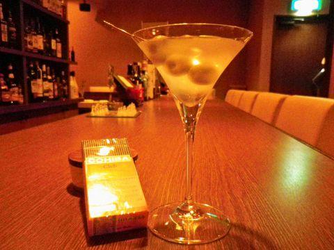 純粋にお酒を愛する正統派bar。