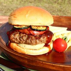 料理メニュー写真村上牛使用!BBQハンバーガー♪
