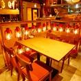 ランプの暖かい光が店内を包みます。女子会やデートに◎