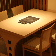 2~4名様にぴったりのテーブル席