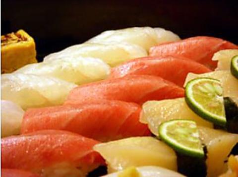 こいけ屋伝統の技術、お寿司をおもてなしします