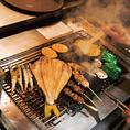 """【肉串&炉端メニュー】厳選した食材本来の味を引き立てるシンプルだけど""""これが旨い""""炉端メニュー&肉串です。焼き場では備長炭を使用し食材に合わせたベストな焼き加減で丁寧に仕上げます。"""