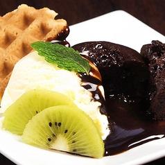 料理メニュー写真エスプレッソアイスとコーヒーゼリーのパフェ/フォンダンショコラ バニラアイス添え