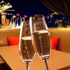 オシャレで雰囲気抜群の個室はカップルや女性に人気です♪難波で評判の均一居酒屋。