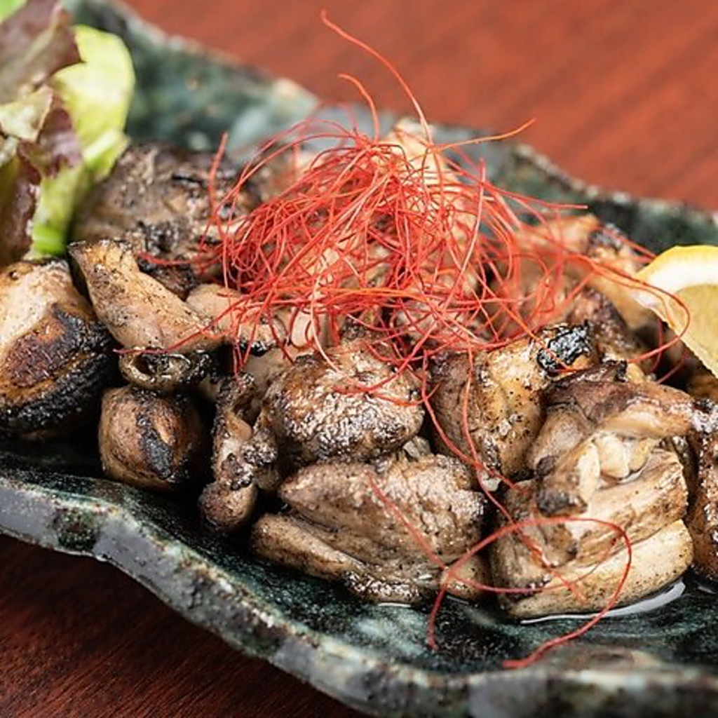 炭焼き専門 焼き鳥と馬刺し ひととき 梅田堂山店 店舗イメージ1