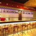 【カウンター】スペインクラブといえばおしゃれなカウンター。旧店舗と全く同じカウンターを新店でも使用しています。お一人様のお客様に人気のお席!また、カップルや記念日にもおすすめです♪