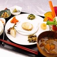平日ランチはたまごかけご飯食べ放題!!