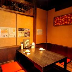 博多もつ鍋 馬肉 九州自慢 赤羽東口店の雰囲気1