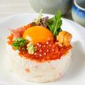 料理メニュー写真NEW!!【贅沢ポテサラ】ポテトサラダということを忘れてしまいそう!キラキラ輝くイクラやウニをトッピング!