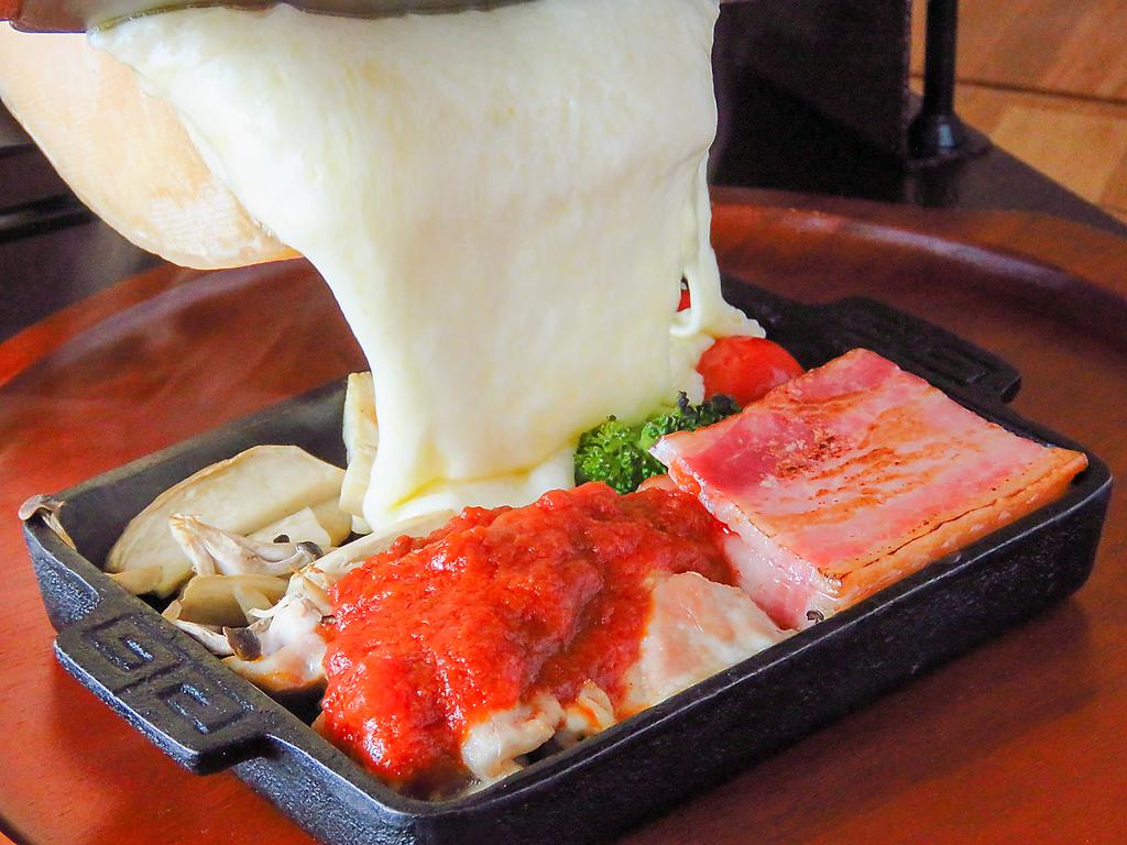 ちーずとお肉と鶏ぱっちょ とろーりラクレットが自慢の和風イタリアン酒房 和仁 店舗イメージ3