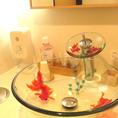 店舗のコンセプトである金魚がいたるところに[鹿児島/天文館/居酒屋/宴会/飲み放題/単品飲み放題/個室/完全個室/貸切/肉/魚]