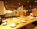 最大100名様まで収容可能な掘りごたつ席を完備♪広島市内での大人数宴会や結婚式二次会などにぴったりな空間です!時間や曜日限定の食べ飲み放題コースも充実♪豊富なフードメニューをご用意しております。本場博多の味をご堪能ください♪