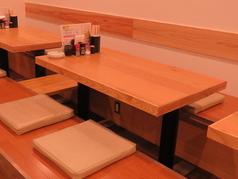 3~4人で使えるテーブル席!皆との会話も弾む!