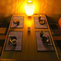 2名様からご利用可能な落ち着きある個室空間。デートや記念日、女子会、合コンにも最適。落ち着きあるお席でシーンに合わせて使い勝手の良さも自慢です。秋田でのデートや記念日に是非ご利用ください。