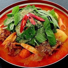 料理メニュー写真カムジャタン(辛口)/ 韓国部隊鍋(プデチゲ)/特製鶏鍋(タッチョンゴル)