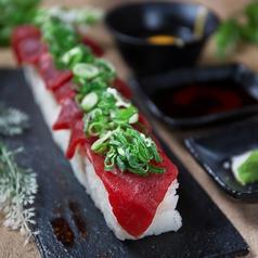 ネギ塩タンの炙り寿司  肉寿司