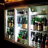 店主が目利きした全国各地の美味しい日本酒が勢ぞろい