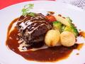 料理メニュー写真赤牛ハンバーグ 赤ワインソース